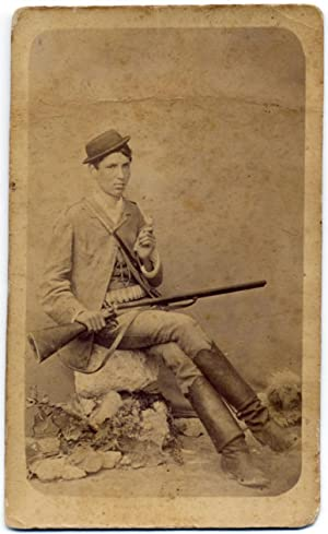 Palermo Cacciatore con fucile. Hunter with rifle cartridges and little bird CDV 1880c F.A Puglisi...