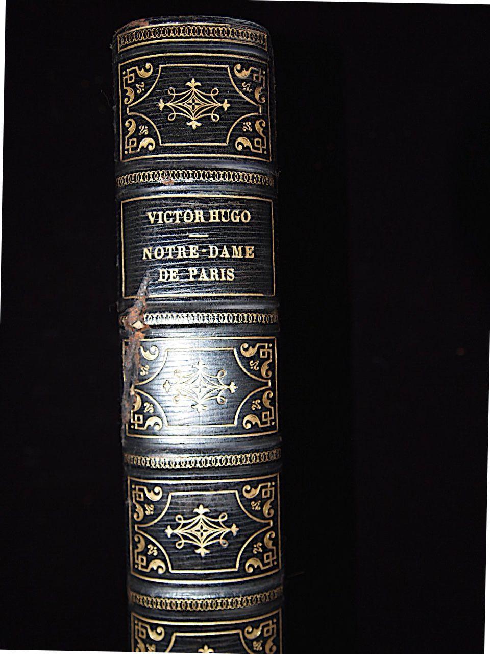 Notre-dame De Paris Par Hugo Victor  Perrotin Couverture Rigide