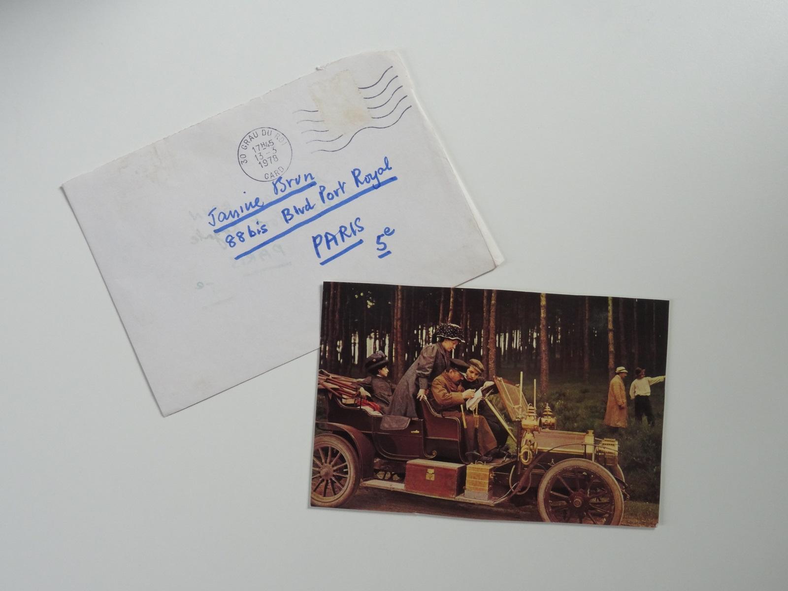 """Carte postale autographe en anglais signée adressée à Jani Brun : """"Spring is here now and it ..."""