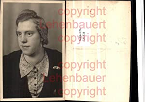 526231,Foto-AK Frau Portrait Ohrringe Halskette Schmuck pub