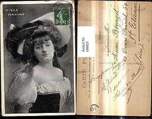 140923,Frau m. Hut Tracht Mode Niska Parisiana