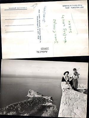 229525,Mallorca Deya Pareja tipica y la Foradada