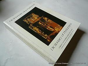 Dictionnaire des parfums. Dictionary of perfumes. 9e édition: Françoise Mohrt. Trad. Anita ...