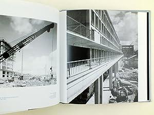 Les bâtisseurs. L'album de la reconstruction du Havre: Collectif