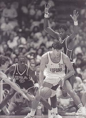 BALONCESTO- 4 LAMINAS AGENCIA EFE en B/N (1984 Selec Española Baloncesto MedallaPlata ...