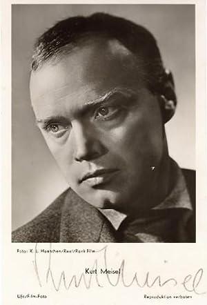 OPorträtfoto (von K. L. Haenchen) aus dem Film »Zwei blaue Augen« mit eigenhändiger Unterschrift.: ...