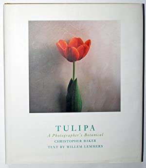 Tulipa: A Photographer's Botanical