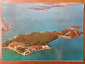 Vista aérea de la Isla y El: Diversos autores
