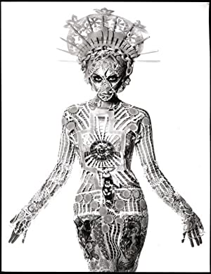 The fashion world of Jean Paul Gaultier: Loriot, Thierry-Maxime