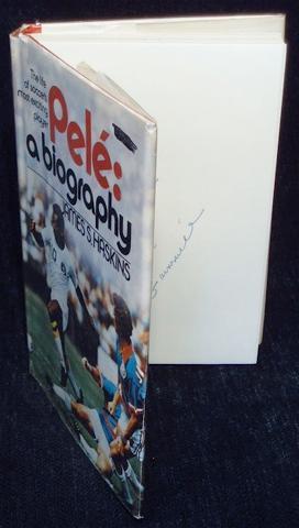 Pelé: A Biography: Haskins, James S.
