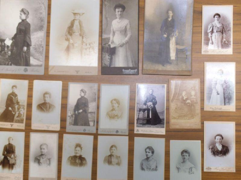 Fotografien Weiblicher Portraits Konvolut Mit 19 Photografien Portrait Originalphotographien Carte De