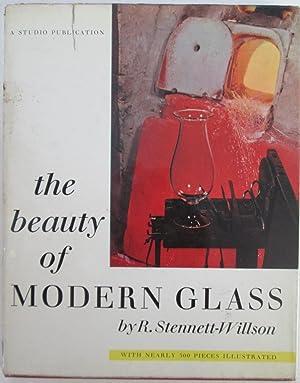 The Beauty of Modern Glass: Stennett-Wilson, R.