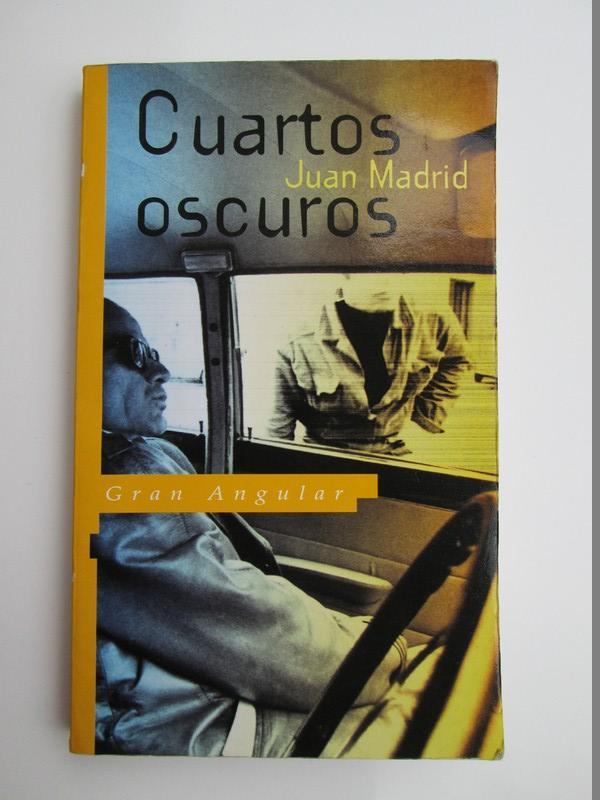 843484768x - Cuartos oscuros (Gran angular) de Juan Madrid - Iberlibro