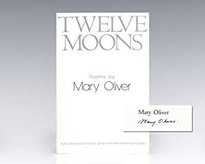 Twelve Moons.: Oliver, Mary