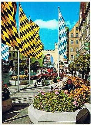 Fußgängerzone mit Karlstor. Farbe. Ungelaufen