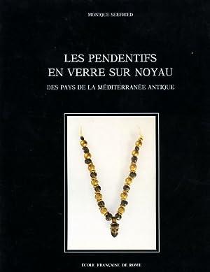 Les pendentifs en verre sur noyau des pays de la Méditerranée antique.: Seefried,...