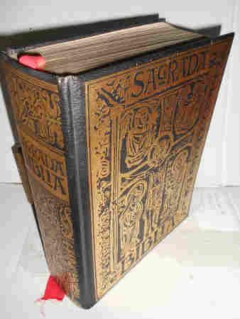 SAGRADA BIBLIA. Edición facsimilar de la impresa en 1884, traducida de la Vulgata Latina al ...