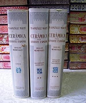 CERÁMICA DEL LEVANTE ESPAÑOL. SIGLOS MEDIEVALES. (I) Loza. (II) Alicatados y azulejos...