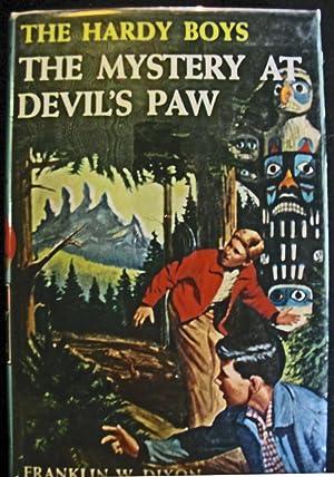 The Mystery at Devil's Paw: Franklin W. Dixon