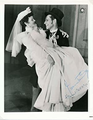 Photograph Signed: TANDY, Jessica (1909-94)