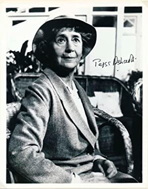 Photograph Signed: ASHCROFT, Peggy (1907-91)