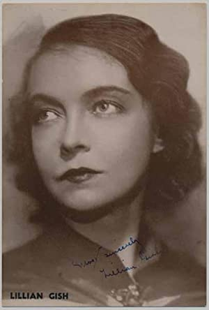 Photograph Signed: GISH, Lillian (1896-1993)