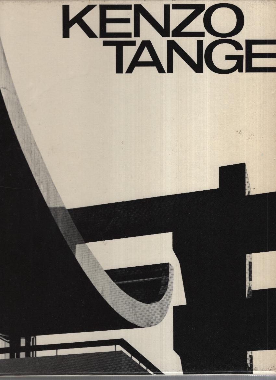 Kenzo Tange 1946-1969 Kultermann Udo von Formato 28 x 28, pp. 304. Numerose immagini anche a tutta pagina nel testo, testo in 3 lingue (inglese, tedesco e francese) stampato su 3 colonne. Leg