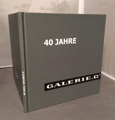 In gallery english german