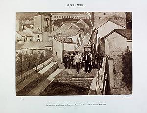 Der Kaiser betritt unter Führung des Bürgermeisters: Kaiser Franz Joseph
