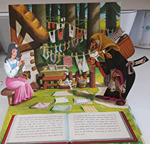 Snow White.All Action Treasure Hour Pop-Up Book