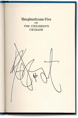 Slaughterhouse-Five Or The Children's Crusade.: VONNEGUT, Kurt, Jr.