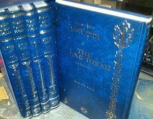 The Living Torah: The Five Books of: Kaplan, Aryeh