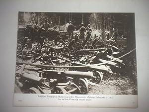 Russisches Kriegsgerät (Maschinengewehr, Minenwerfer, Geschütz, Fuhrparks u.s.w.) das auf...