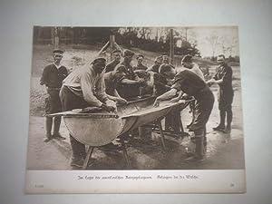 Im Lager der amerikanischen Kriegsgefangenen. Gefangene bei der Wäsche.: Pressefoto/ ...