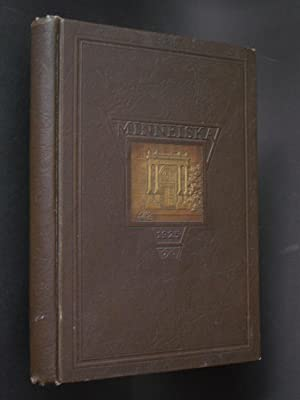 Minneiska: The 1925 Annual of the Senior Class Whitewater State Normal