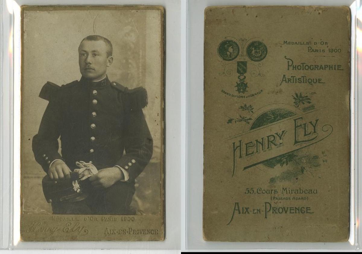 H Fly Un Militaire Pose Photographie Originale Original Photograph