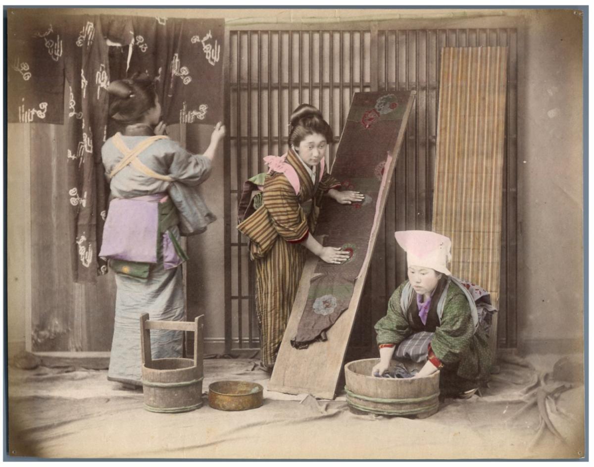 japon s chage des v tements apr s lavage von photographie originale original photograph. Black Bedroom Furniture Sets. Home Design Ideas