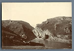 UK, Tintagel (Cornwall), Beach and Castle