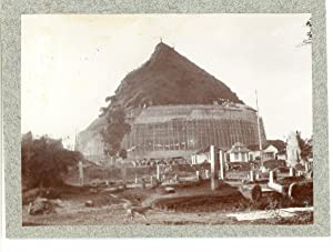India, Indian Monument during construction (maybe Sanchi): Photographie originale /