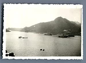 China, Ships in a Bay