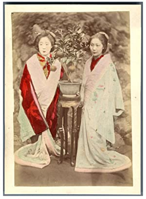 Japon, Girls in the Garden