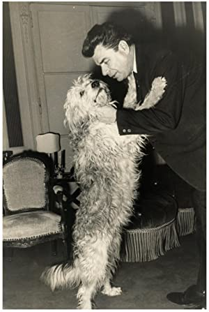 France, Jacques Duhamel et son chien