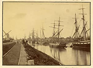 UK, Wisbech, The ships on the Channel and the Windmill