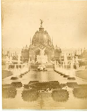 France, Paris, statue de la république, exposition universelle