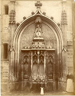 France, Rouen, Fontaine de la Crosse