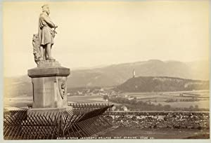 Ecosse, Stirling, Bruce Statue Looking To Wallace Mont