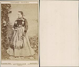 T.Richard, Unterwalden, costumes suisses