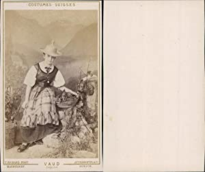 T.Richard, Vaud, costumes suisses
