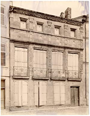 France, Bar-le-Duc, façade d'un bâtiment, ornements, sculptures