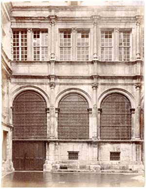 France, Rouen, façade typique, ornements, sculptures
